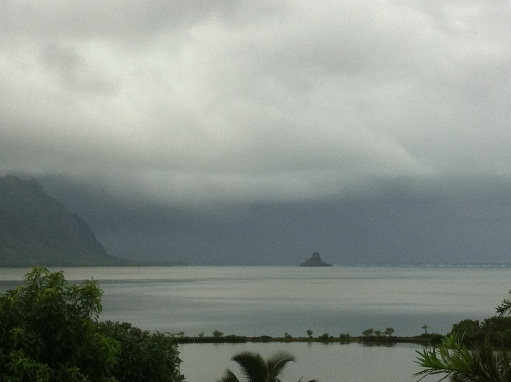 Storm looming in Kaneohe. Photo by - Melanie Gonzalez