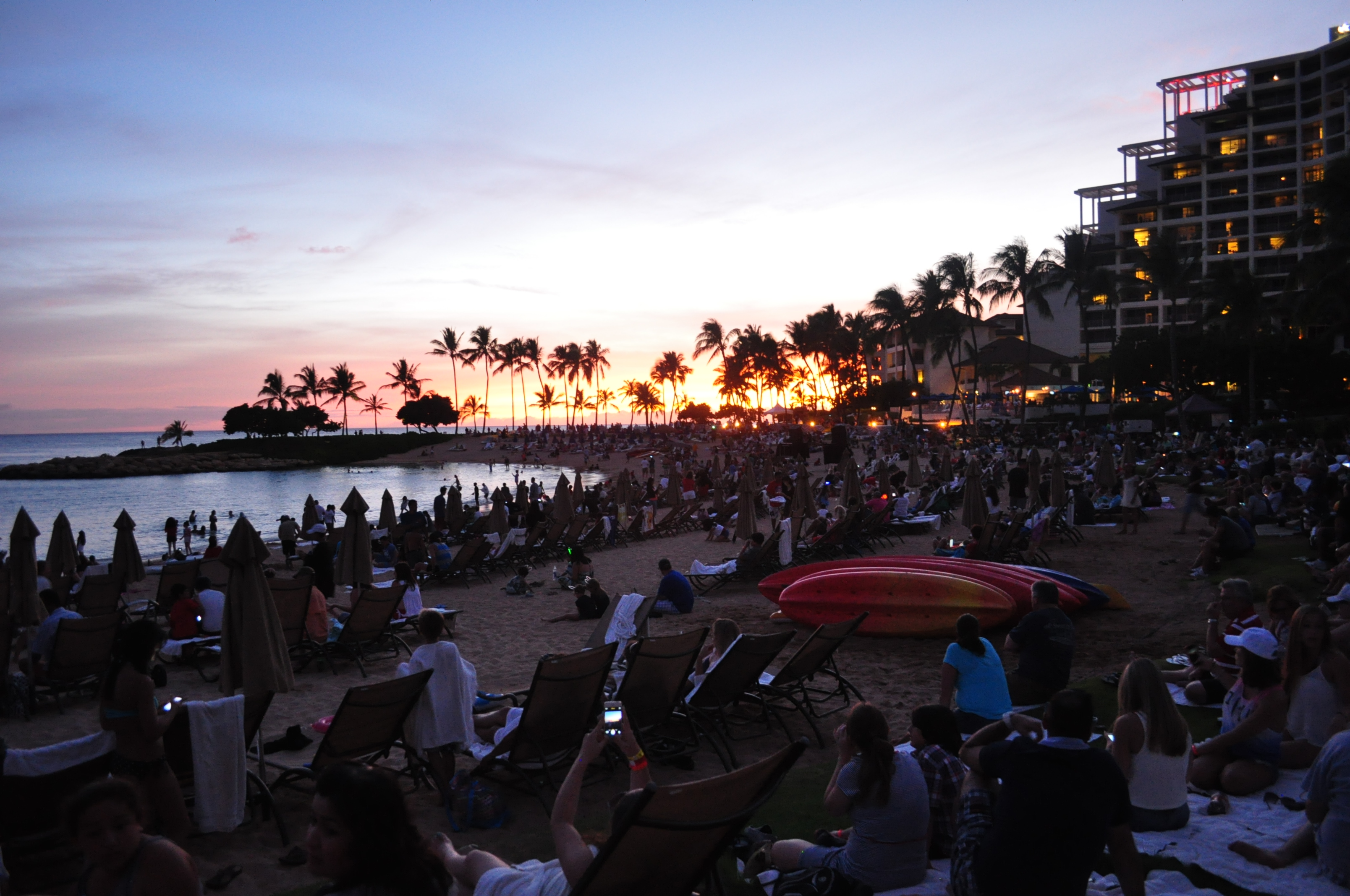 Thousands filled the beach a Ko'Olina lagoon 1 to witness an amazing sunset and an amazing fireworks display. Photos By Melanie Gonzalez/Hawaiiahe.