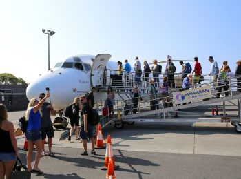 Hawaiian Airlines Inaugurates Service Between Kona and Lihue