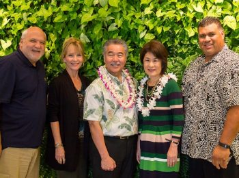 Gov. Ige and visits Kalakaua Gardens residents; talks kupuna issues