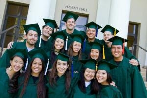 UH Manoa Celebrates 2017 Mid-Year Commencement