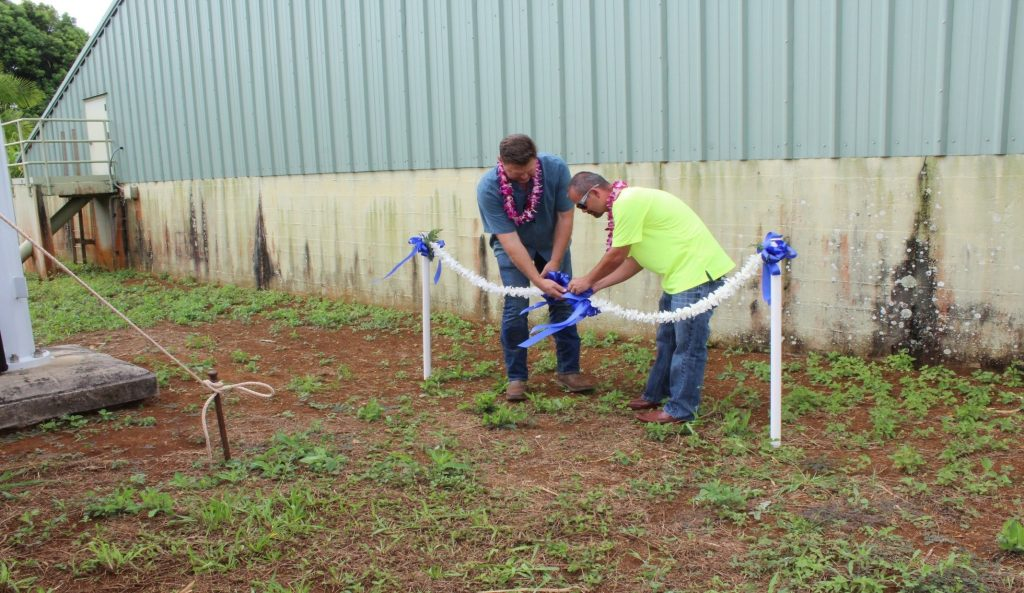 DOW Photo 1_Kapaa Homesteads Well No.4 Blessing (untying the lei)
