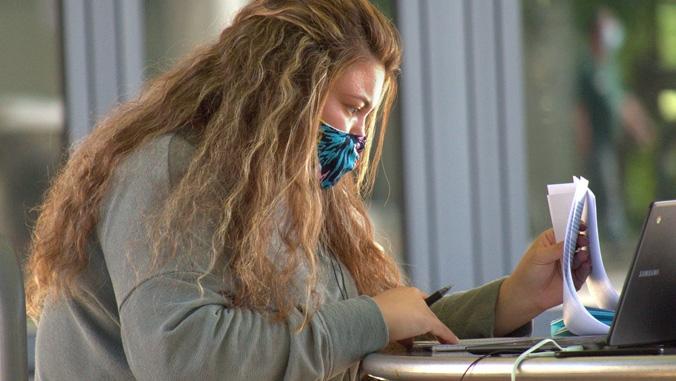 manoa-gnrc-studying-mask